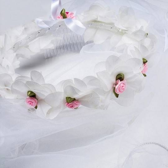 Little girl crown of flowers for ceremonies