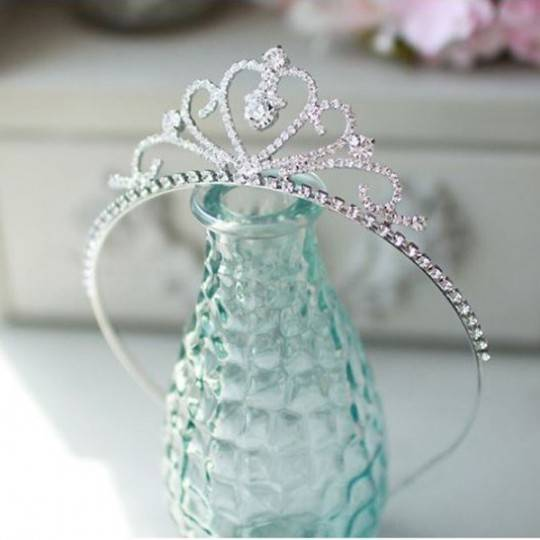 Little girl headband for ceremonies